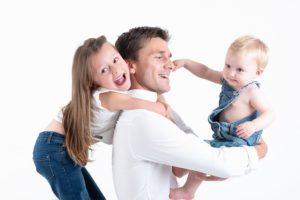 ou faire une séance portrait en famille un photographe pour des photos de famille à collonges (01) près des Pays de Gex et de Haute savoie, non loin de genève en Suisse