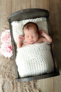 ou trouver un photographe pour des photos de nouveau-né à la naissance à collonges (01) près des Pays de Gex et de Haute savoie et de Genève en Suisse